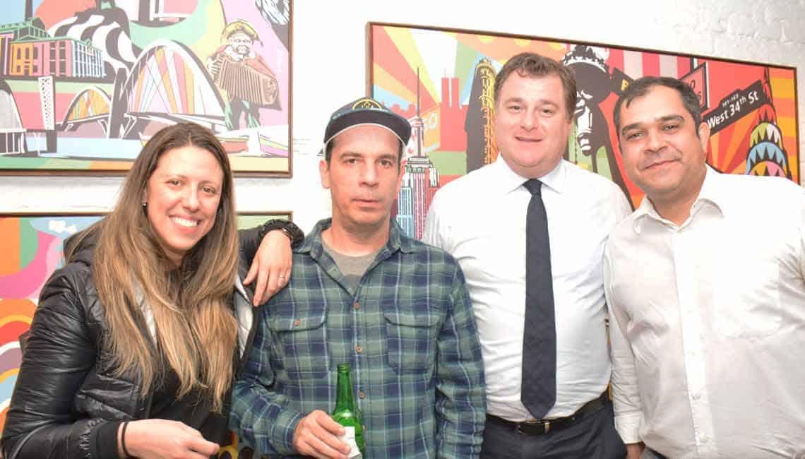 Exposição do artista Lobo na Urban Arts